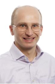 Dr Andrew Priest